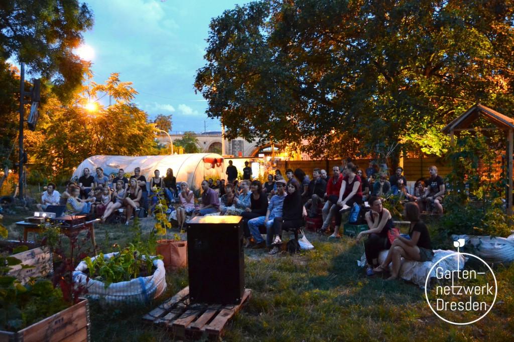 """Kino im Garten – """"Tomorrow: Die Welt ist voller Lösungen"""" + Kleidertausch @ Wurzelwerk Pieschen"""