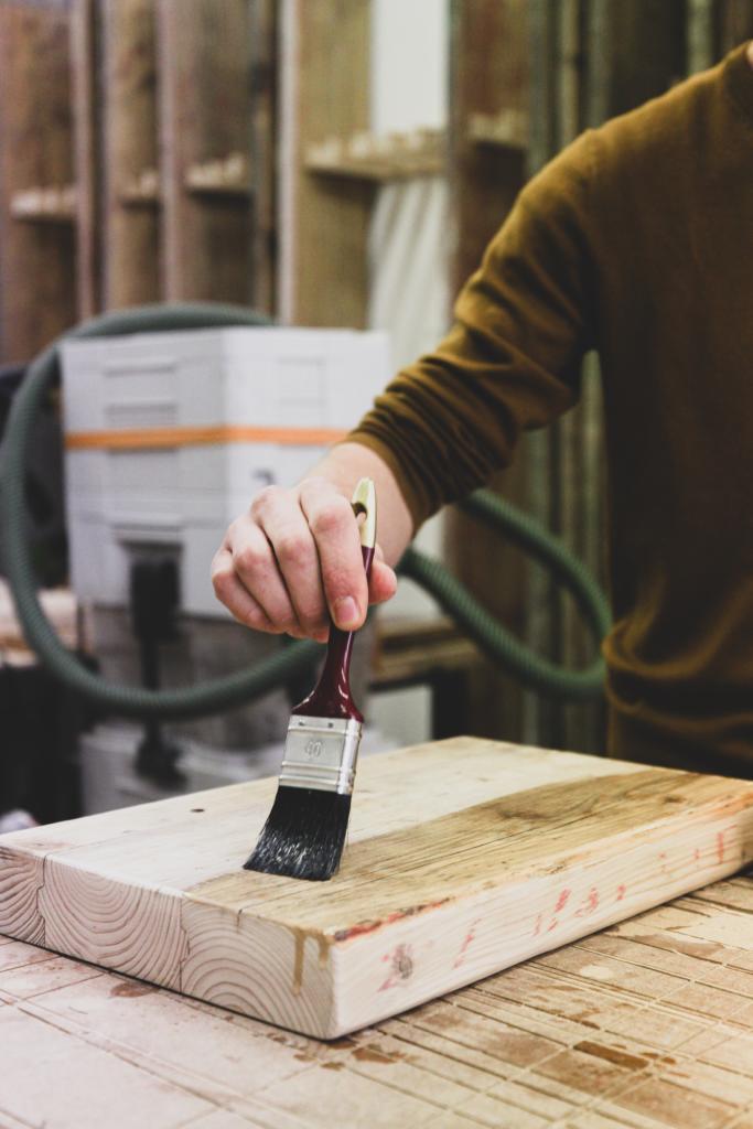 Geht runter wie Öl – Holzschutz und Oberflächenbearbeitung @ Alte Gärtnerei Pieschen