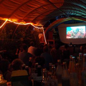 Filmabend im Garten – Hat die Menschheit eine Zukunft?